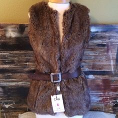 """✨So glamorous FAUX FUR VEST ✨ Dress it up or dress it down! Go anywhere in this faux fur vest. 4 hook closures-18"""" chest-24"""" length. Tag says XS but fits larger. Gently worn❤️. No trades I ❤️ Ronson Jackets & Coats Vests"""