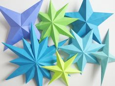 星の折り紙でインテリアを可愛く。簡単なものから立体的な本格派まで