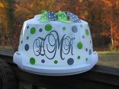 Love this personalized cake cover!