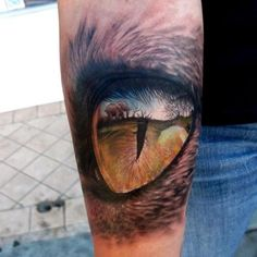 Eye, and reflection | Stefano Alcantara  This doesn't even seem possible to tattoo this kind of detail...amazing if it's an actual tattoo