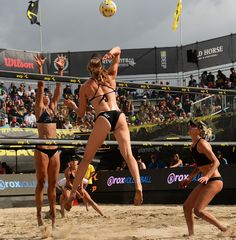 AVP is the premier U. pro beach volleyball league and features the very best in elite pro beach players, competing in the most exciting domestic beach volleyball events. Avp Volleyball, Beach Volleyball Girls, Volleyball Outfits, Volleyball Articles, 2017 Photos, Huntington Beach, Female Athletes, Sport Girl, Fitness Women