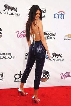 Kendall Jenner thinking about One Direction's Harry Styles at the 2014 Billboard Music Awards!