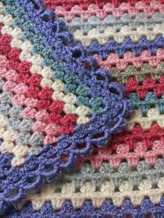 *Free Crochet Pattern: Ravelry: MooBooBaby's Millie's blanket Pattern: Granny Stripes by Crochet Afgans, Knit Or Crochet, Crochet Granny, Crochet Crafts, Crochet Stitches, Crochet Hooks, Crochet Projects, Attic 24 Crochet, Crochet Borders