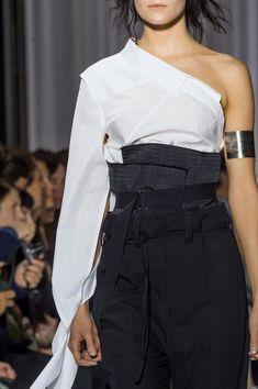 00c6661d9b4 Ann Demeulemeester at Paris Spring 2017 (Details)  springwomensfashion  Paris Fashion