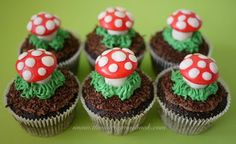 The Mucky MacBook: Enchanted Forest Cupcakes...