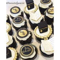 Hajj Mubarak Cupcakes made by SweetsBySuzie in Melbourne Eid Cupcakes, Eid Cake, Cupcake Cakes, Eid Cookies Recipe, Eid Breakfast, Fest Des Fastenbrechens, Hajj Mubarak, Ramadan Wishes, Eid Food