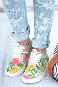 Floral print sneakers//