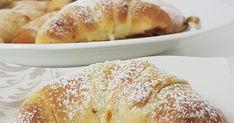 Hausgemachte knusprige Kipferl aus Dinkelmehl und Buttermilch gefüllt mit Nuss Nougatcreme. Butter, Bakery, Bread, Food, Biscuits, Milk, Home Made, Oven, Brot