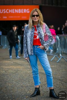 London Fashion Week Fall 2017 Street Style: Lucy Williams
