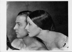 Rudolph Valentino & Natasha Rambova Valentino 1921 photo by James Abbe POSTCARD
