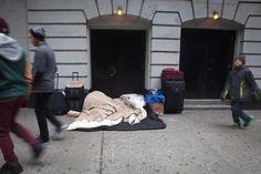 Immer mehr Obdachlose sind in den Straßen zu sehen. Dabei wollte de Blasio vor allem die soziale Ungleichheit bekämpfen.