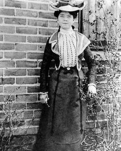 My grandmother Jane Elizabeth Pickering Evans used to hide her hat in the bushes on her way to school and would pick it up in the afternoon. #notatrootstech #oldphoto