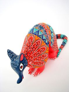 The word armadillo means little armoured thing and was given to the creature by the Spanish explorers. Here is the Mexican folk art version of the little armoured thing - all handpainted Mexican Home Decor, Mexican Folk Art, Paper Mache Sculpture, Wood Sculpture, Armadillo, Mexico Style, World Crafts, Indigenous Art, Hand Painted