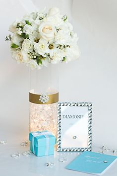 How to make a glowing floral centerpiece for a wedding or a Bridal Shower with David Tutera Bridal. #DavidTuteraDIY