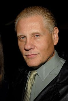 William Forsythe - Dynamically entertaining heavyset US actor with piercing eyes, William Forsythe has a superb talent for playing some truly unlikeable and downright nasty characters that dominate the films in which he appears!