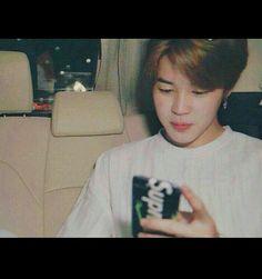 ㅡ『Pᴀʀᴋ Jɪᴍɪɴ Rᴇᴀᴄᴄɪᴏɴᴇs』ㅡ - ▪Jimin Boyfriend Material▪ - Wattpad Namjoon, Hoseok, Taehyung, Jimin Boyfriend, Boyfriend Memes, Bts Jimin, Bts Bangtan Boy, K Pop, Jung So Min
