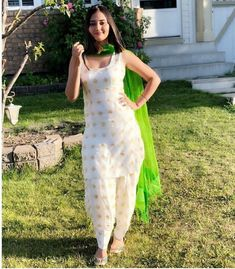 New Punjabi Suit Design White Punjabi Suits, New Punjabi Suit, White Salwar Suit, Punjabi Suit Simple, Punjabi Suits Party Wear, Salwar Suits Simple, Punjabi Salwar Suits, Punjabi Dress, Designer Punjabi Suits