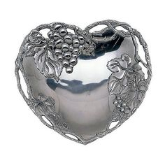 Arthur Court Heart Coupe Tray ($35) ❤ liked on Polyvore featuring home, kitchen & dining, serveware, hearts, entertaining and dining, leaf tray, mirrored serving tray, heart shaped tray, arthur court designs and heart tray
