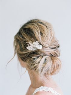 Wedding Hairstyles Updo bridal leaf comb of champagne and gold, bridal accessories, babys breath leaf comb, bridal updo hairstyle, love sparkle pretty - Elegant Hairstyles, Down Hairstyles, Braided Hairstyles, Updo Hairstyle, Teenage Hairstyles, Prom Hairstyles, Bridesmaid Hairstyles, Hairstyles Videos, School Hairstyles