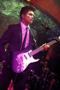 Bruno Mars - Treasure  - http://www.youtube.com/watch?v=uNKZxjg_IzE