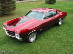 Perfection!!!! To have one of these again. 1970 Chevy Chevelle. My favorite classic muscle car. Make it an SS though... Drool.