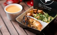 rotisserie chicken france - Google Search Chicken Shop, Roast Chicken, Rotisserie Chicken, Bbq Shop, Food Kiosk, Shawarma, Cafe Design, Food Presentation, Great Recipes