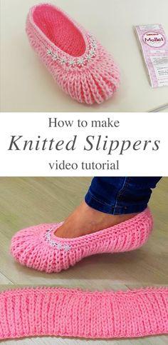 Easy Knitted Slippers You Should Absolutely Make   CrochetBeja How To Make Slippers, Easy Crochet Slippers, Crochet Slipper Boots, Knit Slippers Free Pattern, Kids Slippers, Knitting For Kids, Knitting For Beginners, Easy Knitting, Start Knitting
