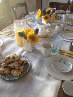 Simple Spring & Summer Tablescape Tablescapes, Good Food, Party Ideas, Entertaining, Dishes, Cooking, Breakfast, Simple, Tabletop
