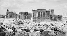 Wykopy na terenie budowy Pałacu Kultury i Nauki, czerwiec 1952. Fot. Zdzisław Wdowiński/CAF/PAP
