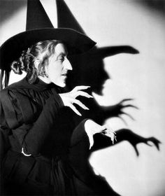 Margaret Hamilton as The Wicked Witch in The Wizard of Oz. clairekinder Margaret Hamilton as The Wicked Witch in The Wizard of Oz. Margaret Hamilton as The Wicked Witch in The Wizard of Oz. Margaret Hamilton, Ann Hamilton, Theme Halloween, Vintage Halloween, Fall Halloween, Happy Halloween, Halloween Witches, Halloween Costumes, Halloween Clothes