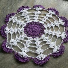 Carpeta Crochet Placemats, Crochet Doily Patterns, Crochet Squares, Crochet Dollies, Crochet Flowers, Crochet Lace, Crochet Table Topper, Lace Doilies, Chrochet