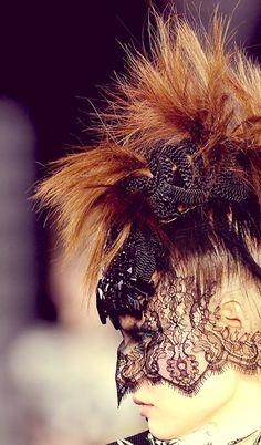 Christian Lacroix Haute Couture FW 2008/2009 Detail