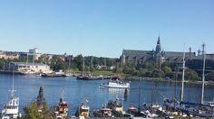 Stockholm se intinde, pe 14 insule, in lacul Mälaren si este capitala și cel mai…