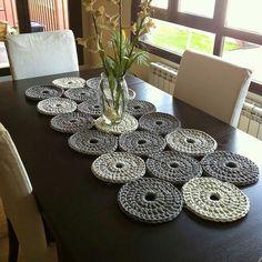 Penye ipten runner... ��____Fotoğraf alıntıdır ___  #amigurumi#oyuncak #organik#orguhane#orguhaneofficial#örgü#örgüoyuncak#motif#örnek#knit#knitting#crochet#crocheting#baby#hediye#tasarım#aksesuar#gezi#doğa#seyahat#handmade#elişi#örgühane#tarif#model#bebek#yarn#toys#runner http://turkrazzi.com/ipost/1521555211750465045/?code=BUdpmdOh94V