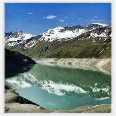 Lac du Moiry (iPhone) #switzerland #photography pic.twitter.com/fsKohBmk