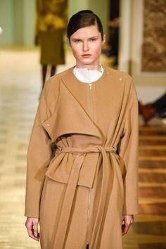 Perret Schaad Automne/Hiver 2015, Womenswear - Défilés (#20727)
