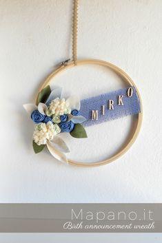 Birth announcement wall art, Embroidery hoop, door sign for a boy, custom name plaque, hospital door hanger, gender reveal, flowers leaves #birthannouncement #fiocconascita #etsy #handmade #hoopwreath #wreath #nurserydecor