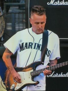 Pearl Jam guitarist Mike McCready just killed it on the National Anthem channeling Jimi Hendrix before the Cubs Mariners game.