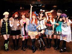 Morning Musume (Mitsui Aika, Kamei Eri, Niigaki Risa, Tanaka Reina, Michishige Sayumi, Takahashi Ai, Jun-Jun, Lin-Lin)