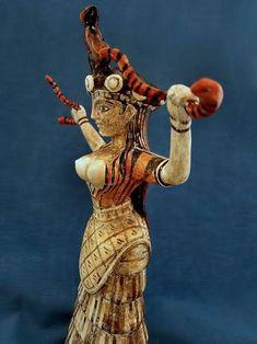 Snake Goddess of Minoan civilization Greek History, Ancient History, Art History, European History, Ancient Aliens, American History, Knossos Palace, Bronze Age Civilization, Minoan Art