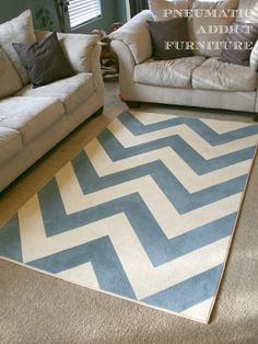 Pneumatic Addict Furniture: DIY Chevron Rug- she used a short pile rug (get extra fabric medium) Paint Chevron, Area Rugs Diy, Pottery Barn, Diy Carpet, Painted Rug, Diy Design, Rugs, Diy Decor, Chevron Rugs