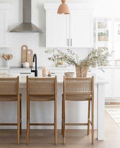 Home Decor Kitchen, Kitchen Interior, Home Interior Design, Home Kitchens, Cuisines Design, Home Decor Inspiration, Kitchen Inspiration, Home And Living, Kitchen Remodel