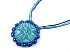 Soutache Jewelry Tutorial | Click here for a FREE Soutache Daisy Pendant & Brooch Tutorial!