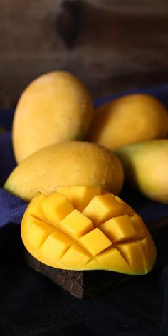 Fruits Images, Fresh Fruits And Vegetables, Farmers Market, Mango, Delicious Fruit, Foodies, Wallpaper, Manga, Wallpapers