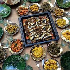 Sardines et salades marocaines Morrocan Food, Moroccan Kitchen, Ramadan Recipes, Food Presentation, Palak Paneer, Food Videos, Curry, Food And Drink, Appetizers