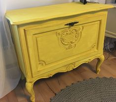 Need more yellow in my house. Used Annie Sloan english yellow and dark wax for this.