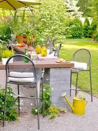 using cinder blocks as the base for outdoor counter area.
