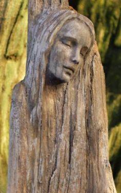 Driftwood Sculptures by Debra Bernier - Salvabrani Driftwood Sculpture, Driftwood Art, Sculpture Art, Sculptures, Tree Carving, Wood Carving Art, Statue Ange, Tree Faces, Human Art