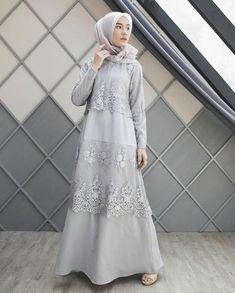 Likes, 117 Comments - Dwi Handayani Syah Put . Moslem Fashion, Arab Fashion, Islamic Fashion, Model Kebaya Muslim, Muslim Dress, Modest Outfits, Modest Fashion, Fashion Dresses, Dress Brokat