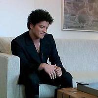 """Bruno Mars sieht Tattoos als Langzeitprojekt: """"man sollte sich genau überlegen was man sich stechen lässt"""", rät der Sänger!"""